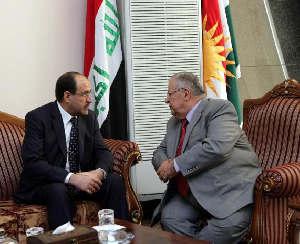 Det er mere sannsynlig at Nouri al-Maliki  (t.v) kan fortsette som statsminister enn at Jalal Talabani kan fortsette som president i Irak etter valget.