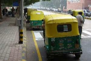 I storbyen Delhi drives all kollektivtransport, også de små tuk-tukene, av komprimert gass: CNG.
