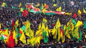 Kuder i Diyarbakir jubler over Öcalans fredsbudskap.