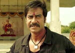 Ajay Devgan er ikke å spøke med i filmen Himmatwalla