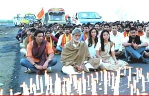 I Satyagraha dyrkes ikkevoldsprotester i Gandhis tradisjon.