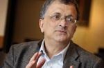 Ramachandra Guha er en anerkjent indisk akademiker. Hans første bøker tok for seg  den indiske miljøbevegelsen.