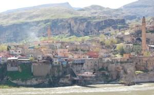 I Hassankeyf  ved øvre Tigris har det bodd folk i 10 000 år.