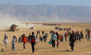 Flyktninger på vei fra Shengal til Syria