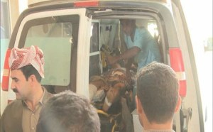 Sivile ofre for Tyrkias bombing i Irak fraktes til sjukehus.